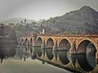 Andrićevi mostovi, ćuprije i krive Drine