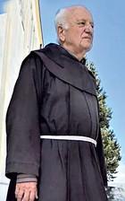 Brižni svećenik velika srca